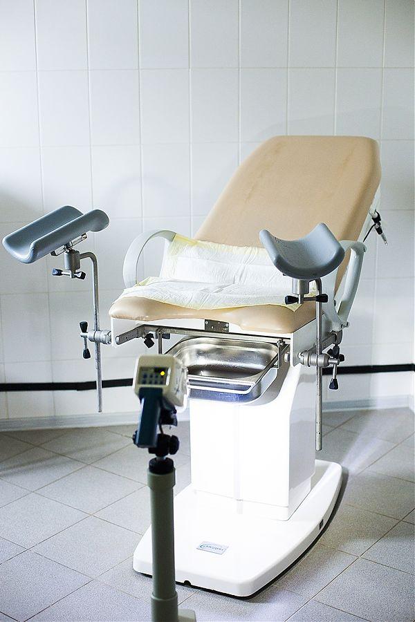 всех фото кресло гинекологическое разрыдалась, умоляя делать